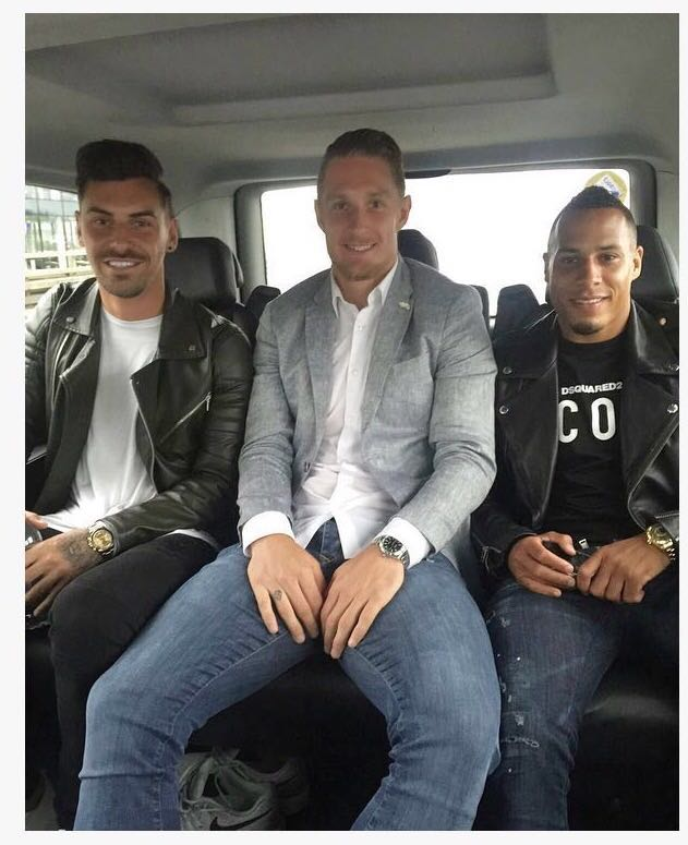 Grant #Hall and @tjaronnchery joined me ��✌�� We're on our way ���� #HoopsAllTheWay #QPR @QPRFC https://t.co/nb00lRNWFH