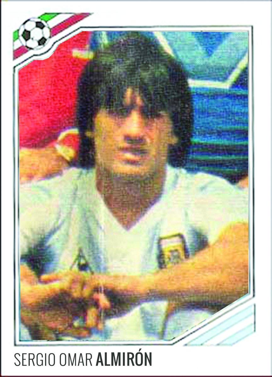 Sergio Omaro Almirón con la maglia Albiceleste