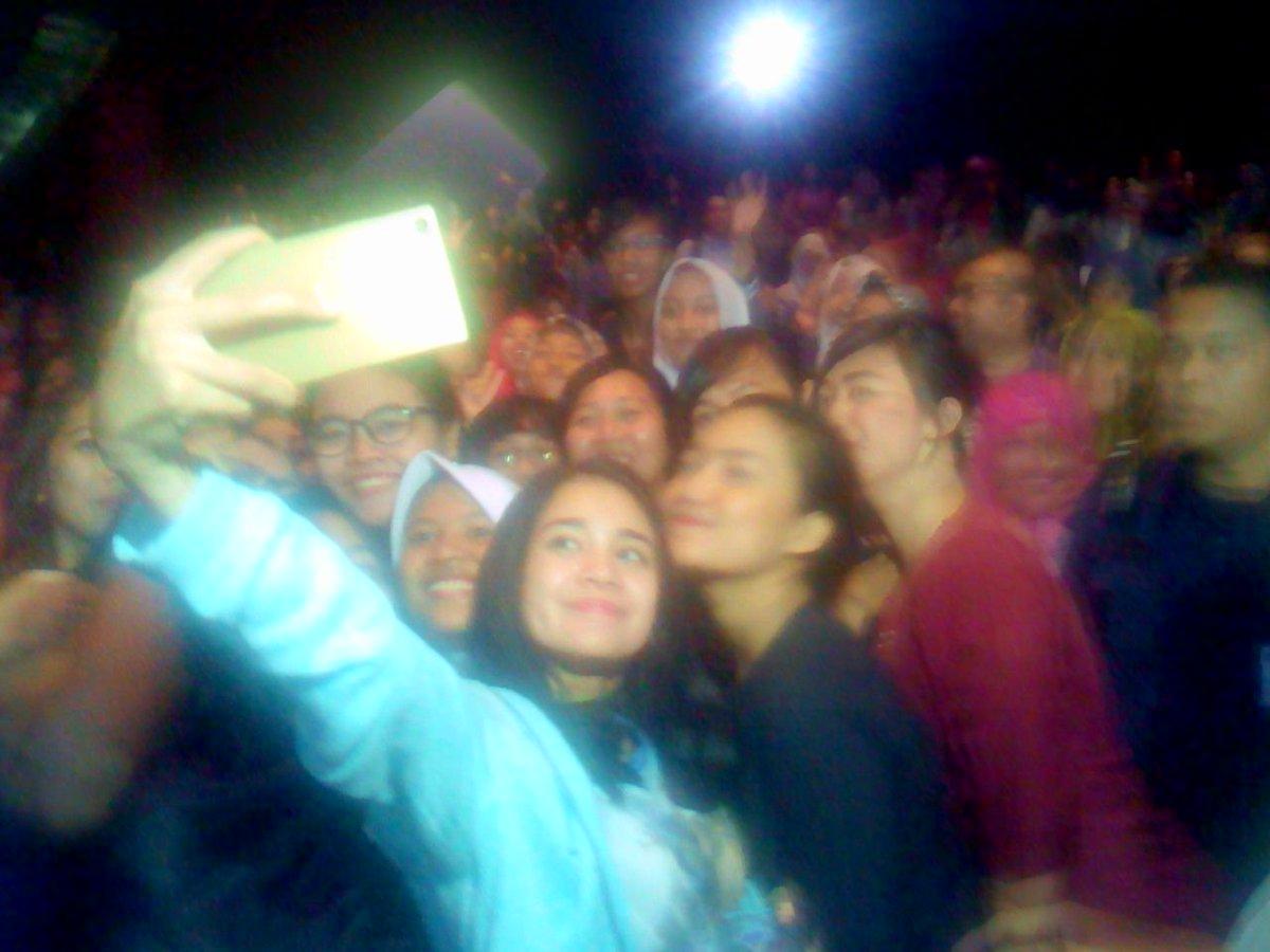 Selfie di Citraland XXI, Semarang. Promo bersama @michelleziu film @ILYF38000Feet @ScreenplayProd @LegacyPictures https://t.co/5XqtUlqr42
