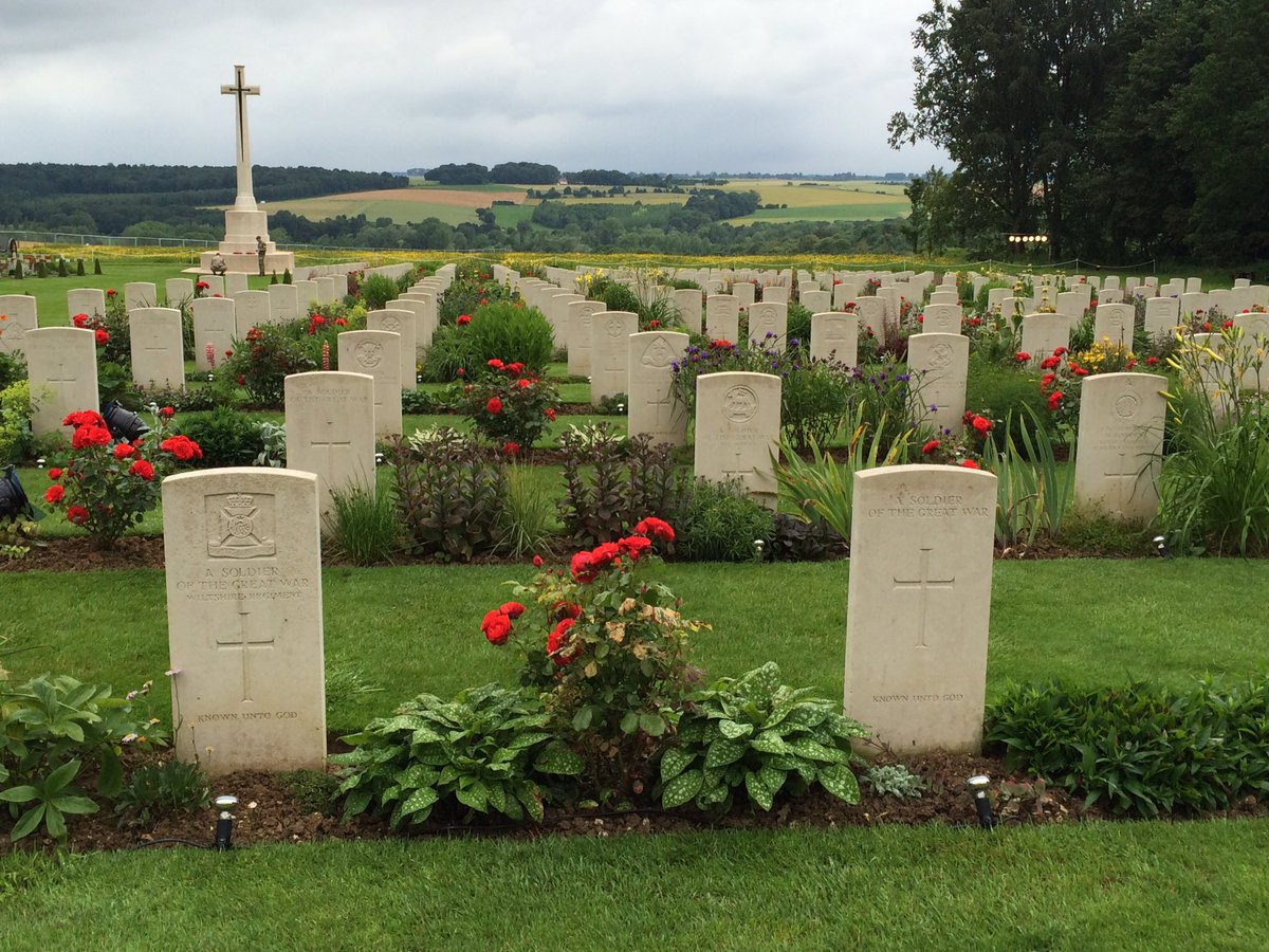 At 7.28am tomorrow we'll observe 2 minutes silence to remember all those who gave their lives at the Somme #Somme100 https://t.co/3ZqDscNZv3