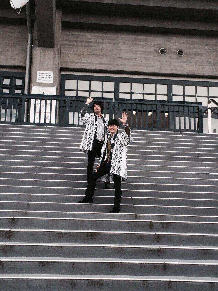 昨日。誰もいない武道館でこんな事をして遊んでくれる人は卓偉くんしかいない。 https://t.co/l0zPmRur3O