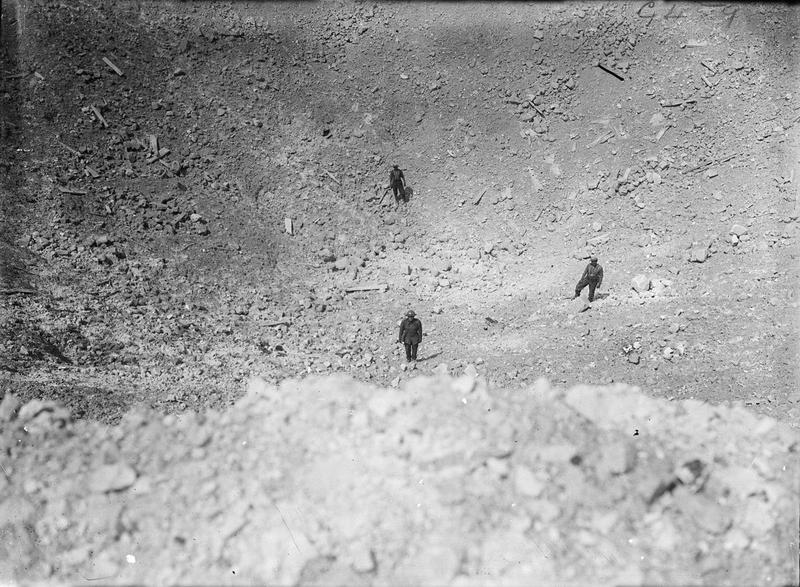 #SOMME100 Il y a 100 ans aujourd'hui à 7h28, une sape de mine explose dans le village de La Boiselle, dans la Somme https://t.co/8O3T4k6Ly8