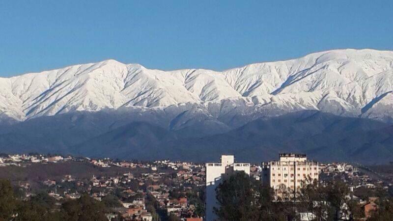 En Salta tenemos la Bandera Argentina de fondo, por obra de la madre naturaleza. Ojo ... Enamora