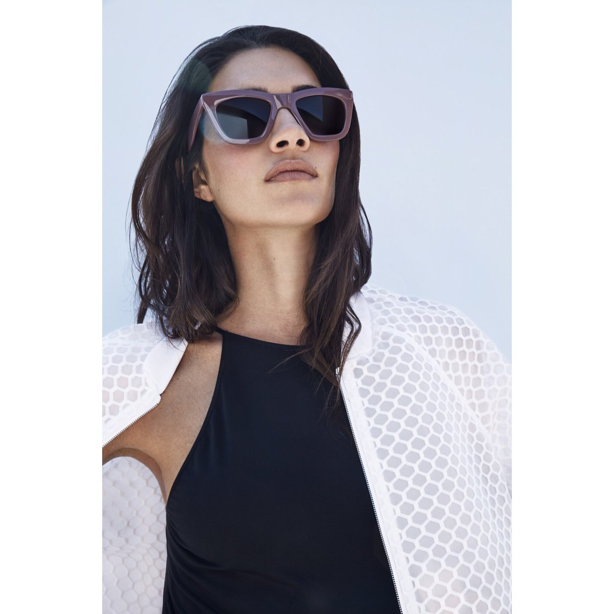 349c9aa6c8d  sportswear  cool  chic  teresamoore  sunglasses  coolframes   modelpic.twitter.com 2QobyKGwK5