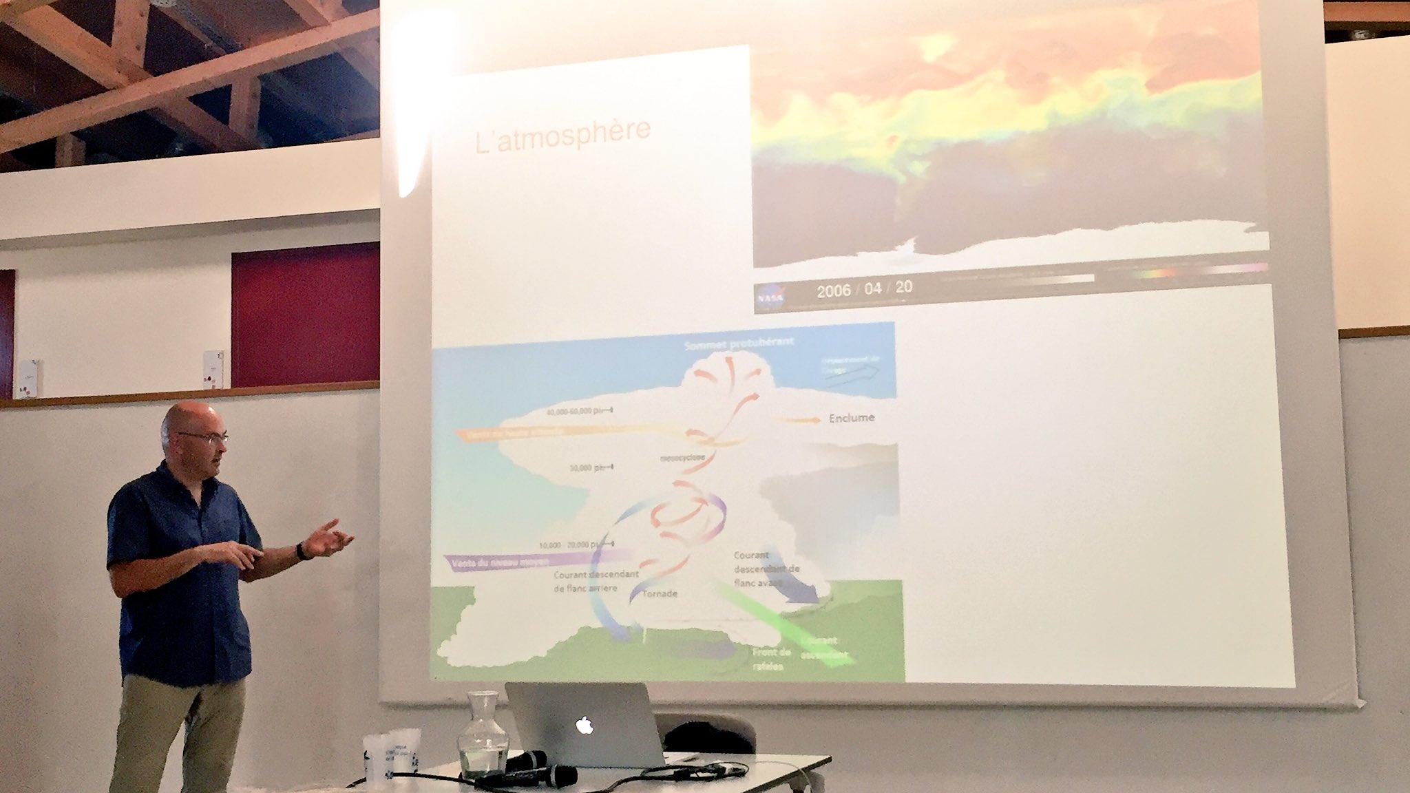 Les simulations numériques ont bcp d'applications:conception d'objets, études spatiales, atmosphère, air #scienceDD https://t.co/gX0YuvJjfK