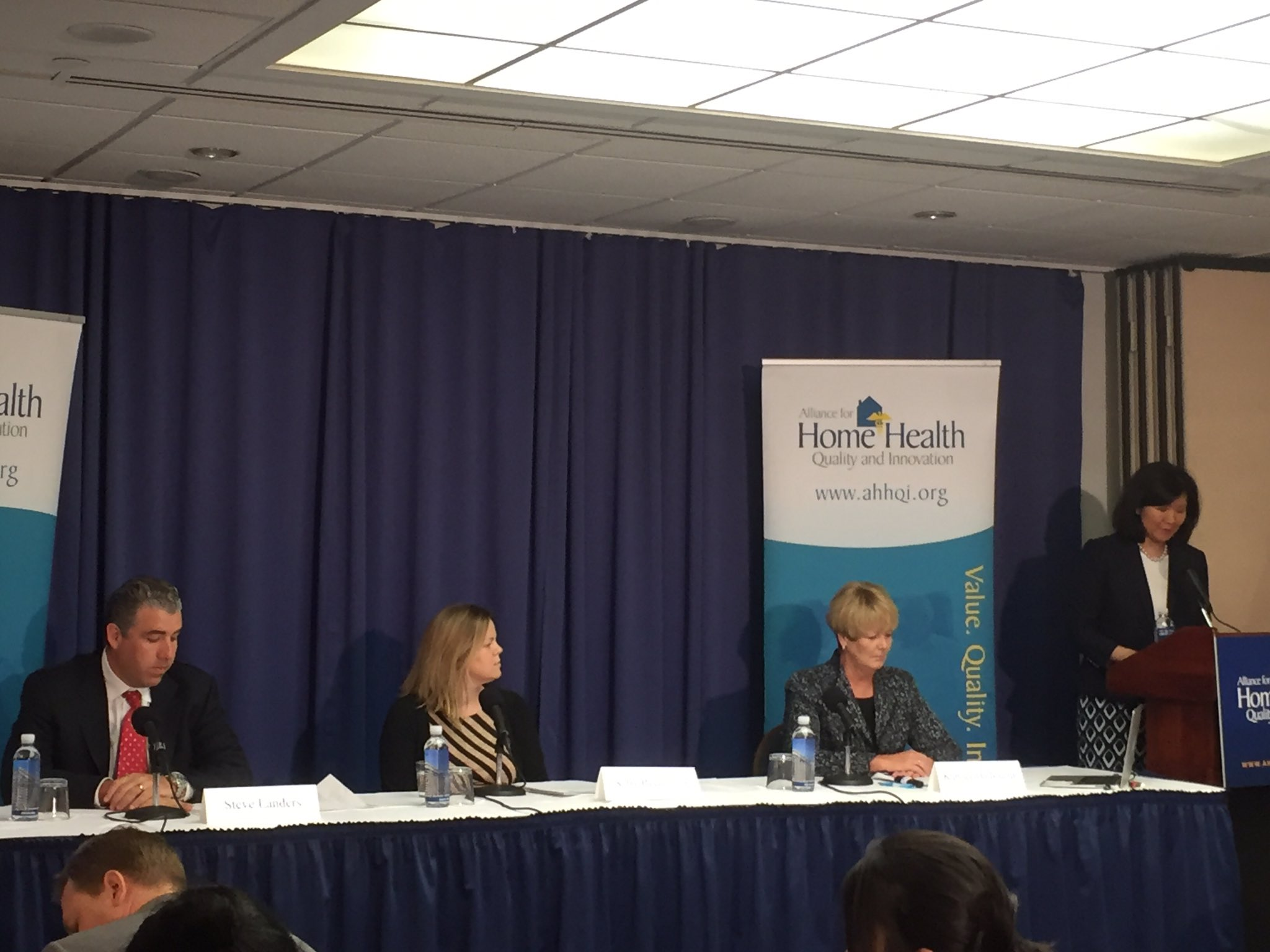 Framing the Future of Home Health in America has begun! Director @TeresaLee presenting our speakers. #FutureofHH https://t.co/R4xgAXJVhC