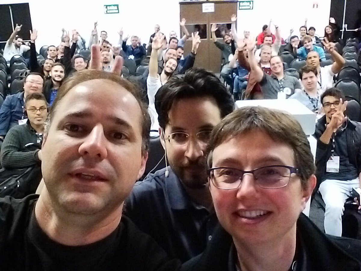 Giving a talk with @java and @steveonjava  @JavaOneBrasil ! Very cool!!! https://t.co/rImBsnjgFs