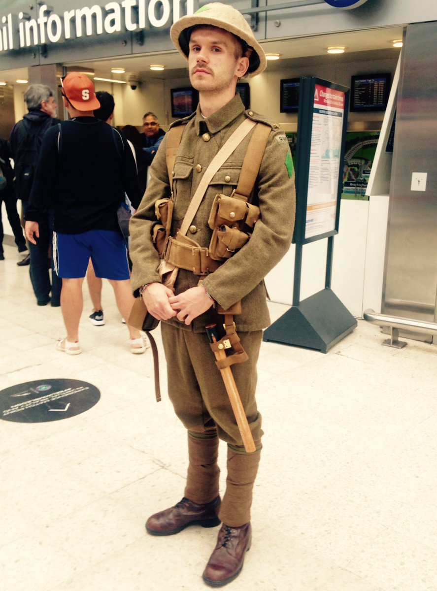 Did anyone else see the moving sight of #WW1 soldiers during your commute? #wearehere https://t.co/wKUpbfdj8o