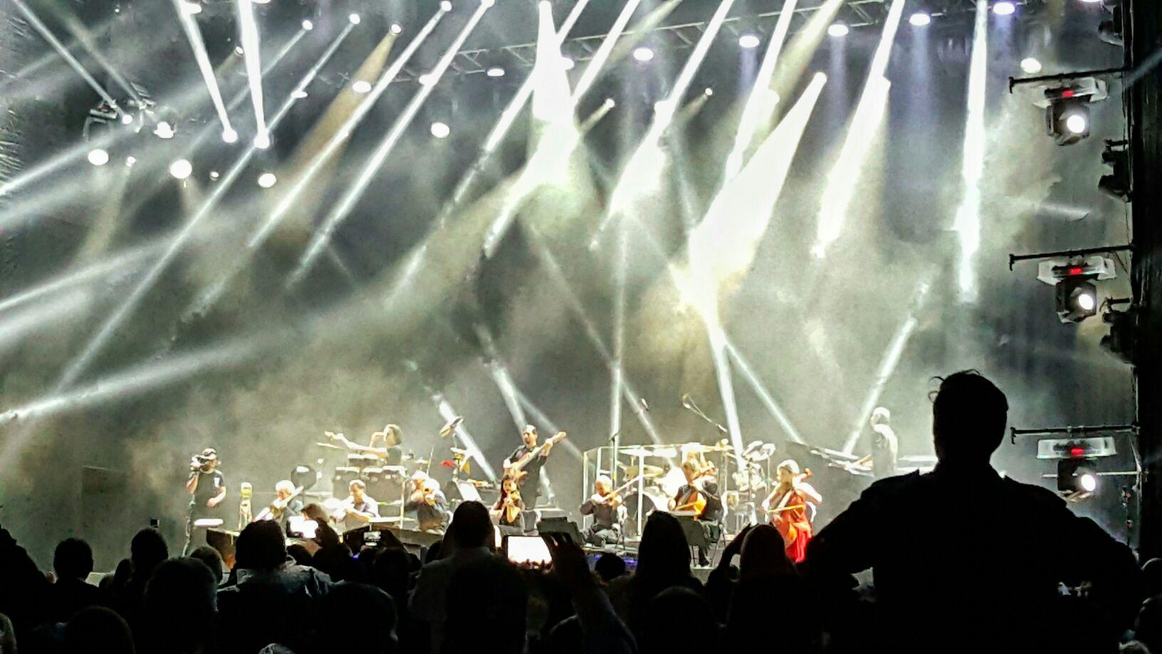 Un espectáculo de primer mundo! #Yanni #YanniCR w/ @katmarce https://t.co/lRXoOQEQsI