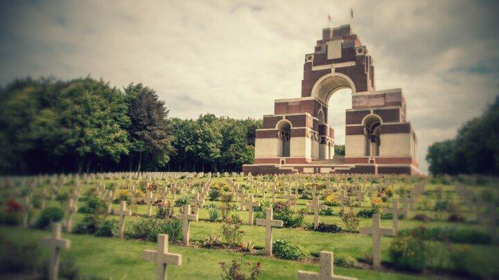 #Somme100 Suivez en direct sur @FRANCE24 les commémorations de la bataille de la Somme https://t.co/L4vMiDPKSx https://t.co/swohFAJhUc