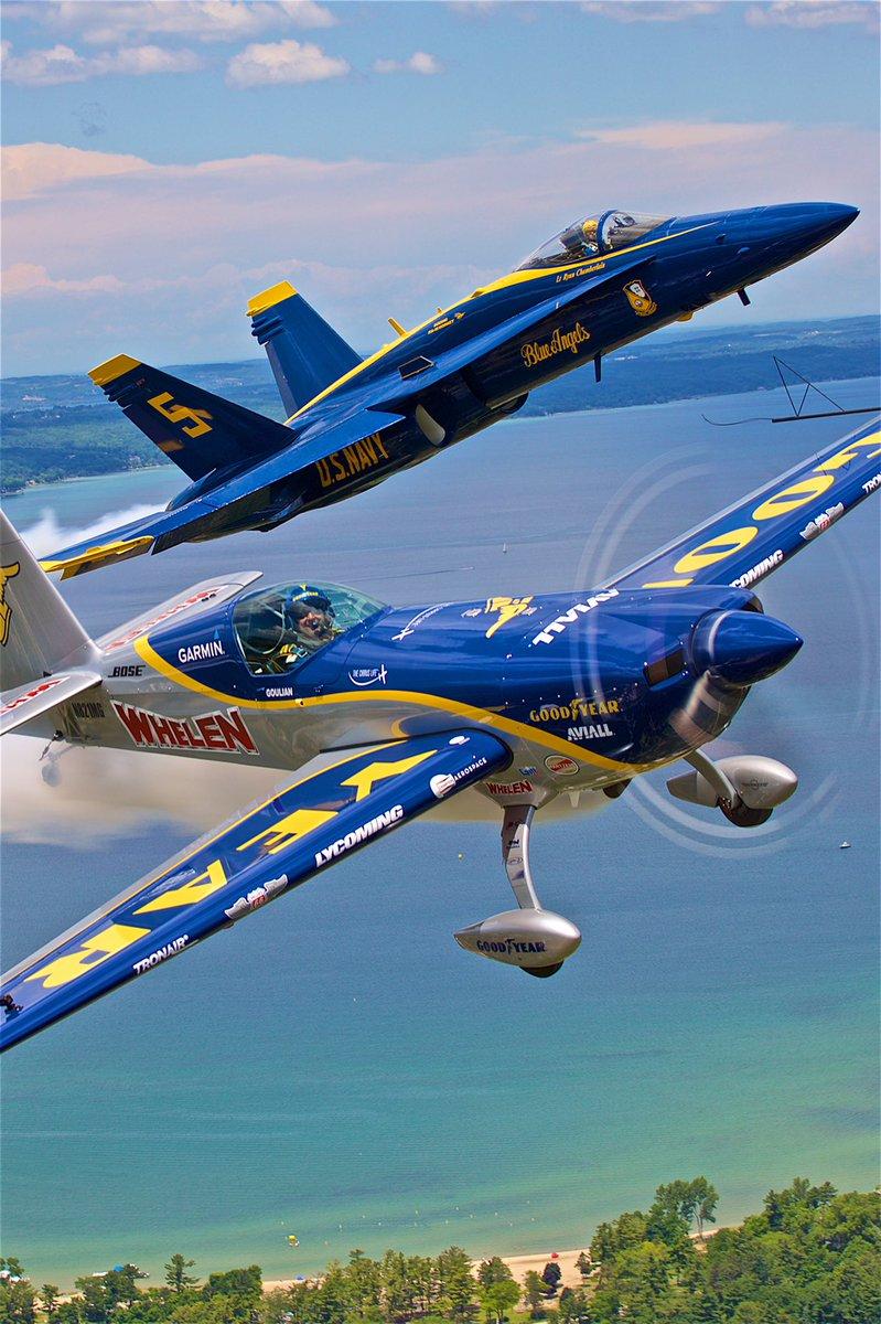 Over the skies of @cherryfestival with @Terraphobic41 Lt Ryan Chamberlain of @BlueAngels. https://t.co/i893buKhFw