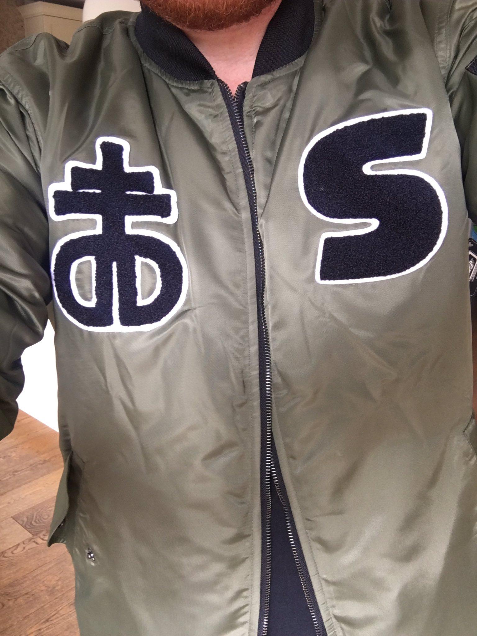 Jacket skills by @Dropdeaduk ace! https://t.co/DZAu2YaIxE