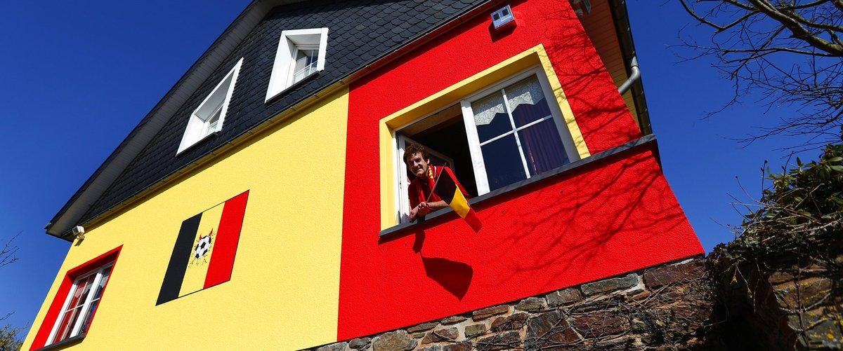 Sa maison aux couleurs des #DiablesRouges en cas de victoire. Cap ou pas cap? #TousEnsemble >https://t.co/9JdoHoRmRS https://t.co/gFwh3XfjXw