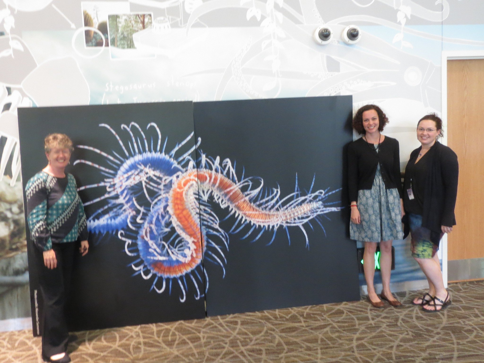 Visit the Q?rius center TODAY for #PolychaeteDay and get your picture taken with the giant syllid worm! https://t.co/fwtMDffdmf