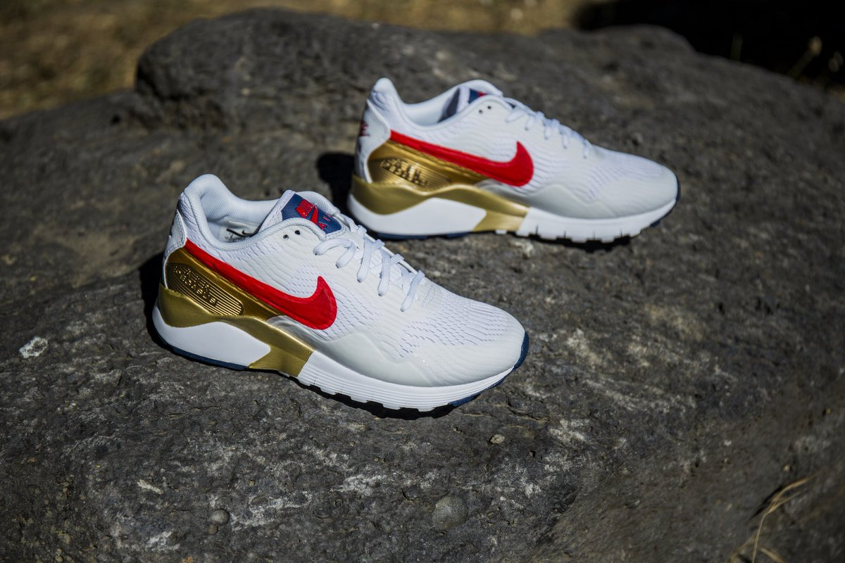 new products fa389 496a2 go for gold the new women s nike air pegasus 92 16 is out now