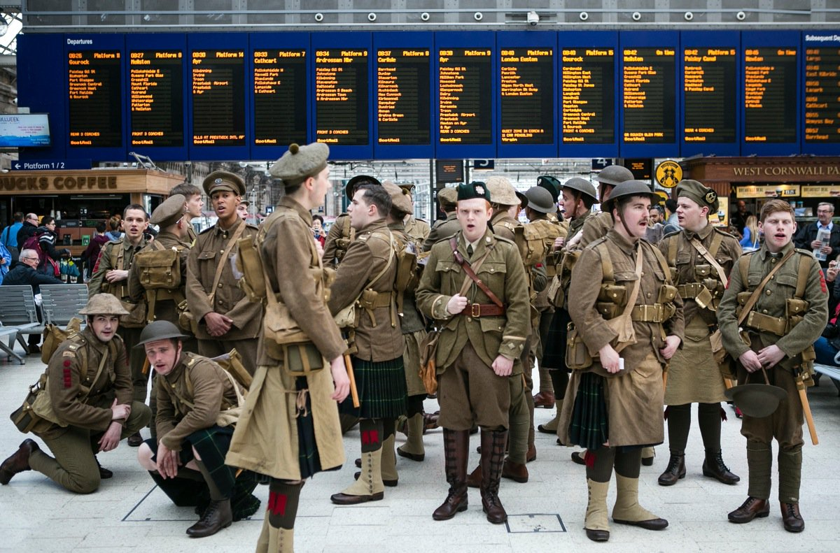 The story of #wearehere – artist Jeremy Deller's moving memorial to soldiers of the Somme https://t.co/A5LDP18bpl https://t.co/EKZz9y4fT8