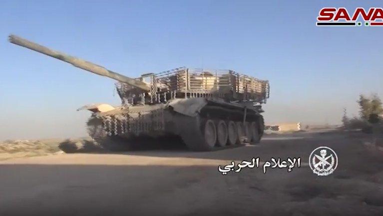 الوحش الفولاذي لدى قوات الجيش السوري .......الدبابه T-72  - صفحة 3 CmTMZGhUsAAwqLf