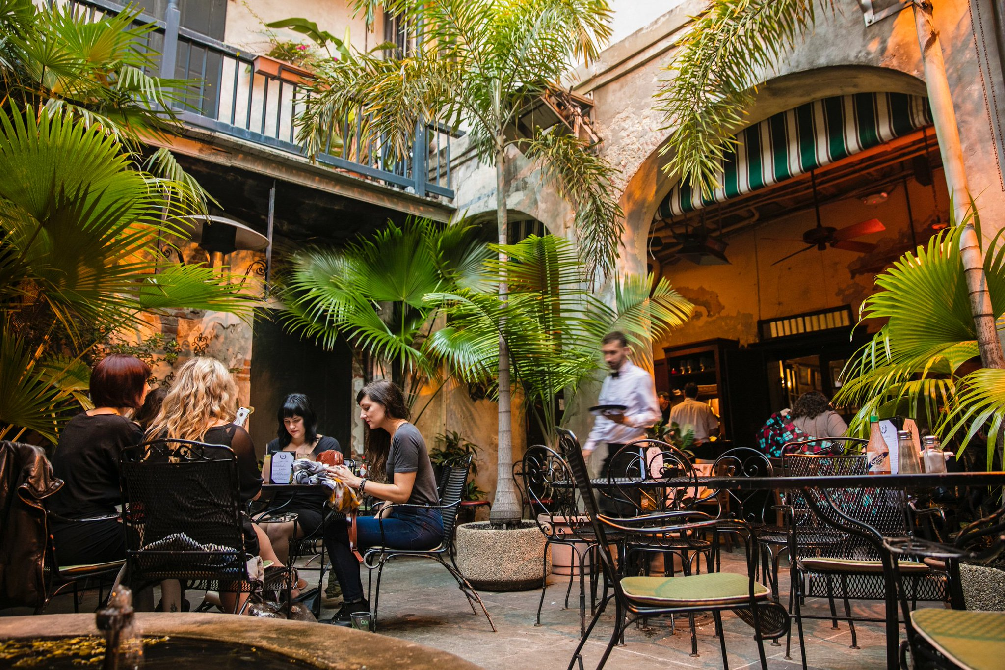 Few Places Capture The Essence Of New Orleans Like Napoleon House A 200 Year Old Landmark That S As Casual And Unique Its French Quarter