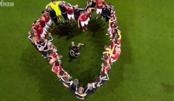 Do we think the heart was deliberate? #WALBEL ❤️ https://t.co/0Zk1PuqFxq