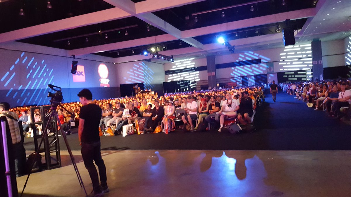 Full house at the @AnimeExpo welcome ceremonies! https://t.co/prdPuOoWpV