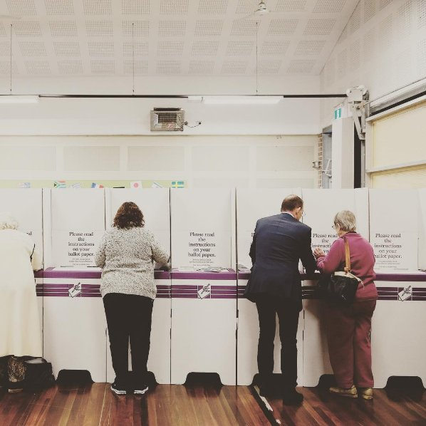 .@TonyAbbottMHR kindly breaches AEC regulations and shows an old woman how to vote, via the @ManlyDaily https://t.co/1nKd8dJkoq