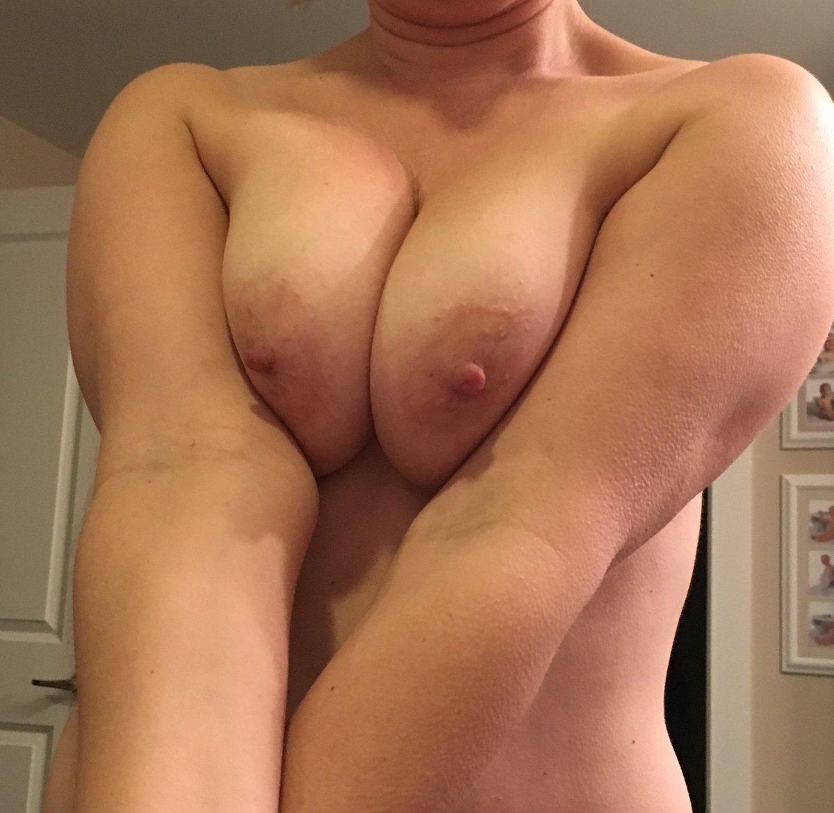 Nude Selfie 6570