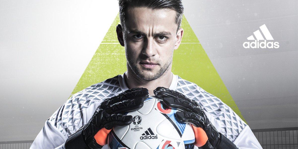 Zretweetuj tego tweeta i wygraj skopaną piłkę meczową od @adidasfootball z meczu #POL – #NIR ! #FirstNeverFollows https://t.co/A3ZA1wyQ3q