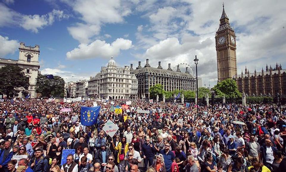 WOW. So inspiring!!! Such AMAZING support for Britain in Europe today! What a day #marchforeurope https://t.co/jsgeo8GfCx