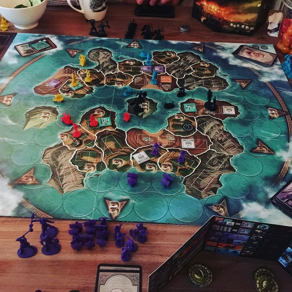 Playing #Cyclades with expansion #volgmij #bsm #playandlearn #boardgame #imagination #game…  http:// ift.tt/29vjwmQ  &nbsp;  <br>http://pic.twitter.com/4zyGFTHHDn