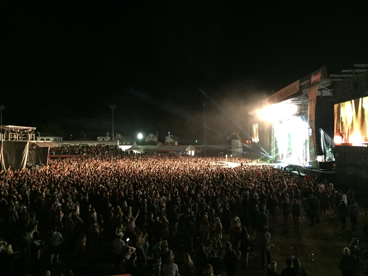 LONDON!! That's a wrap!! @FLAGALine just brought the house down for the final night of @Trackside_Fest!! https://t.co/y1RK3lTATZ