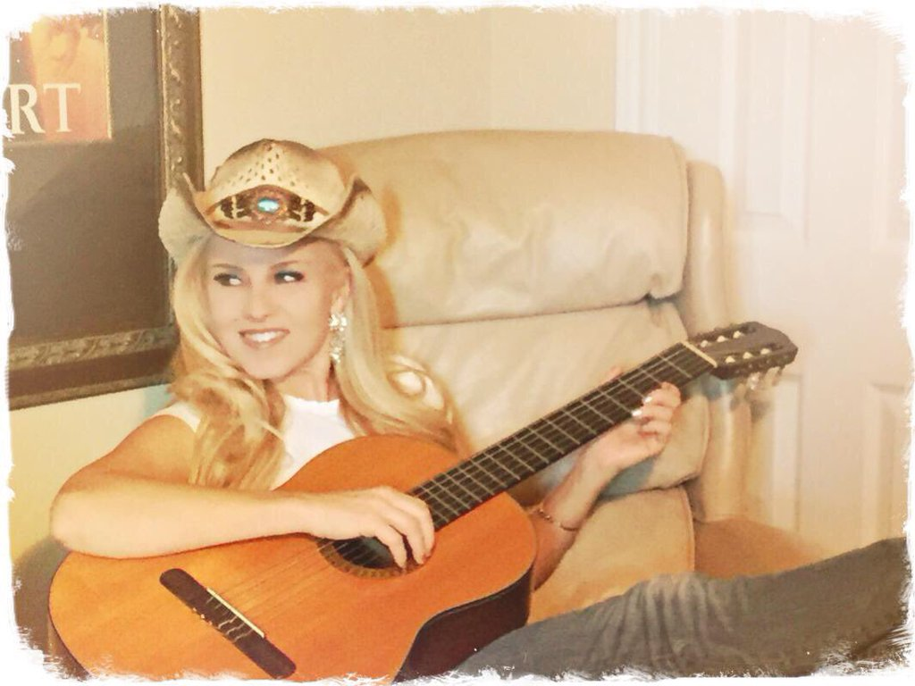 Beauty talent in Texas atmosphere @stephygirlmusic Singer/Songwriter https://t.co/tPbaW2O05f https://t.co/XYVcz25Kur https://t.co/HlzQSTgcMw
