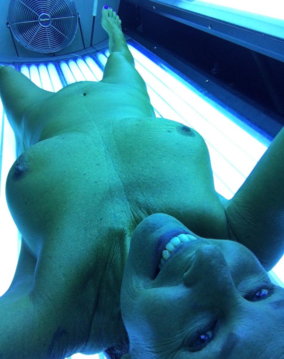 Nude Selfie 6614