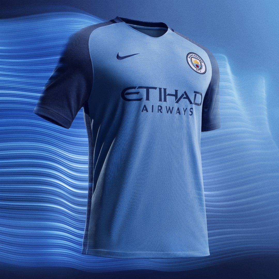 super popular f841d 99254 Manchester City: Manchester City unveils new home kit ...