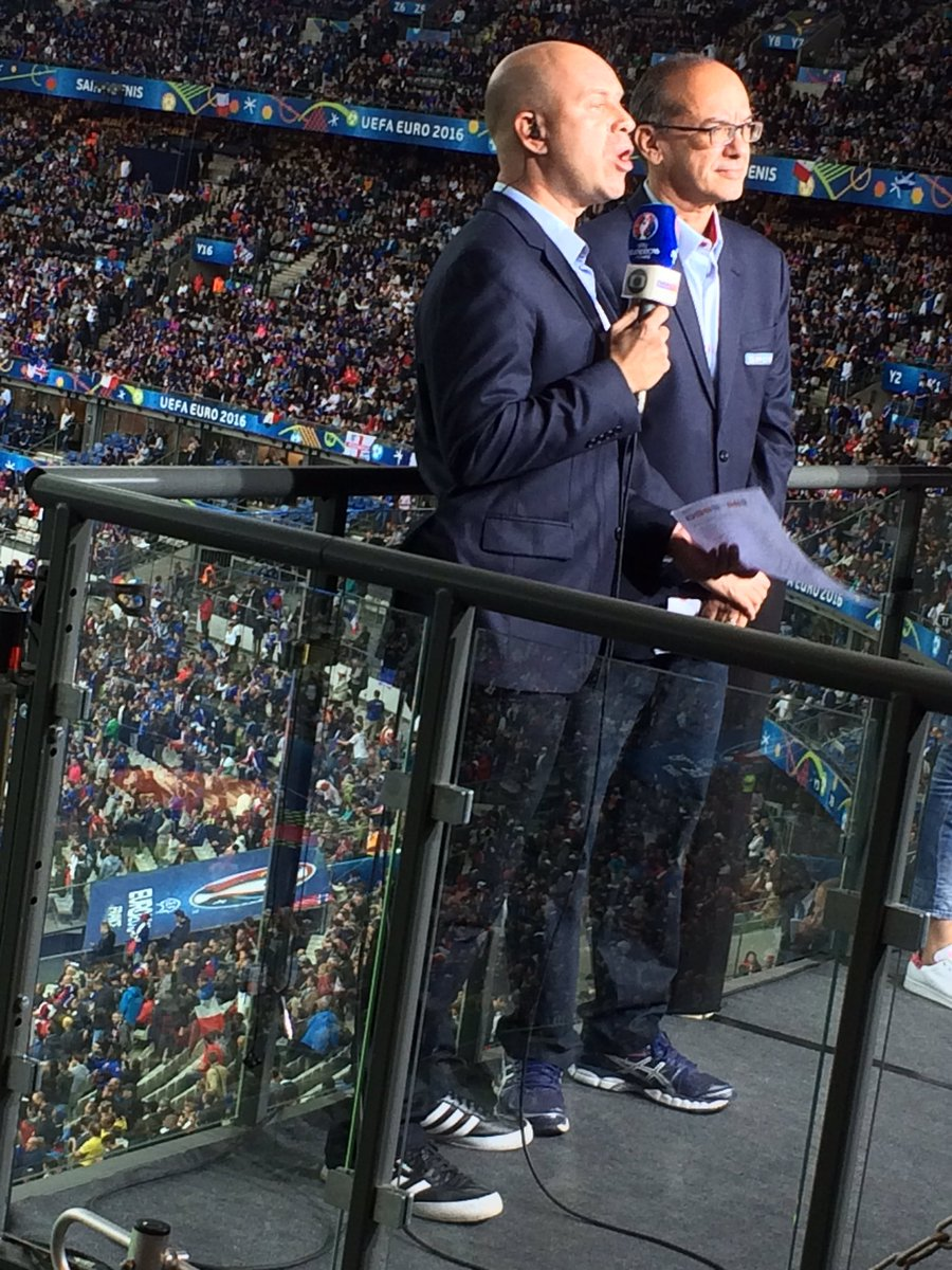 French TV reporter at Stade de France