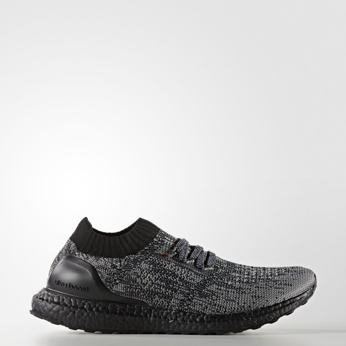 official photos a154a 60e88 ultra boost triple black footlocker