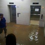 室内でボート&滝行w韓国の大学の梅雨の被害がヤバイ!