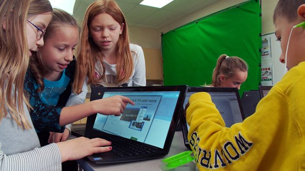 How one school seamlessly blends tech literacy with academic content: https://t.co/f1RZbXFtNs. #digcit https://t.co/Mh5LSClUtg