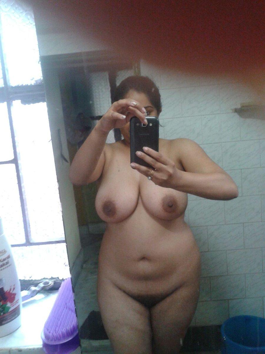 Nude Selfie 6688