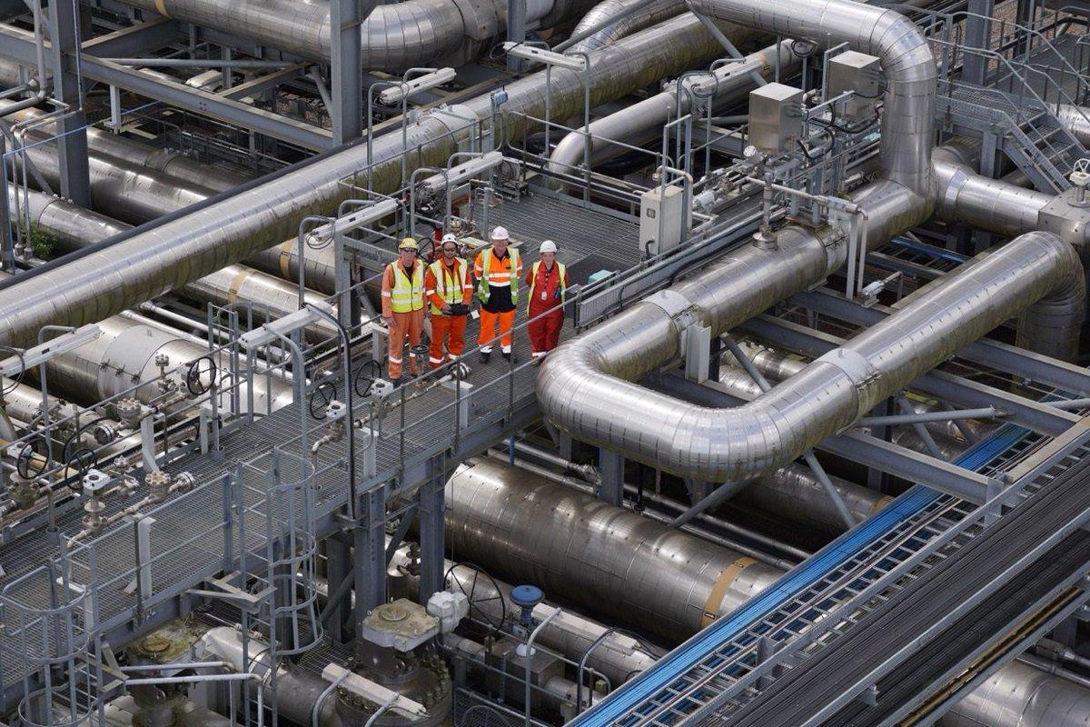 stock rack depositphotos blue pipe transmission photo skies pipeline background
