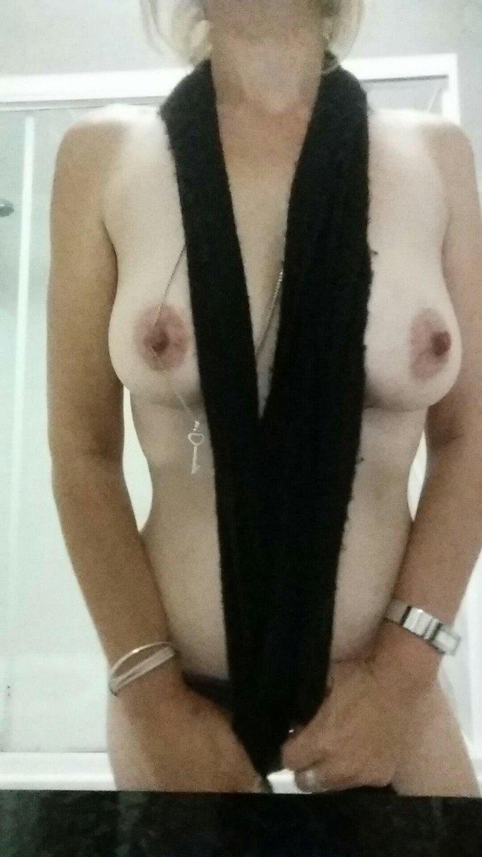 Nude Selfie 6693