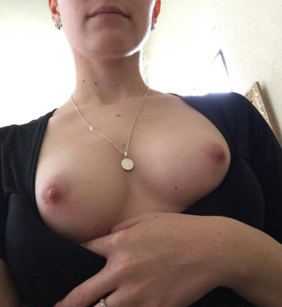 Nude Selfie 6709