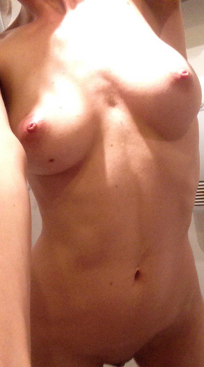 Nude Selfie 6720