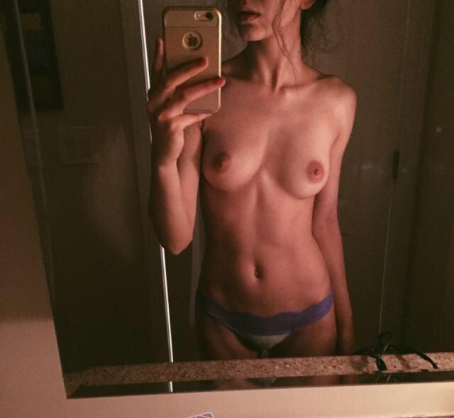 Nude Selfie 6733