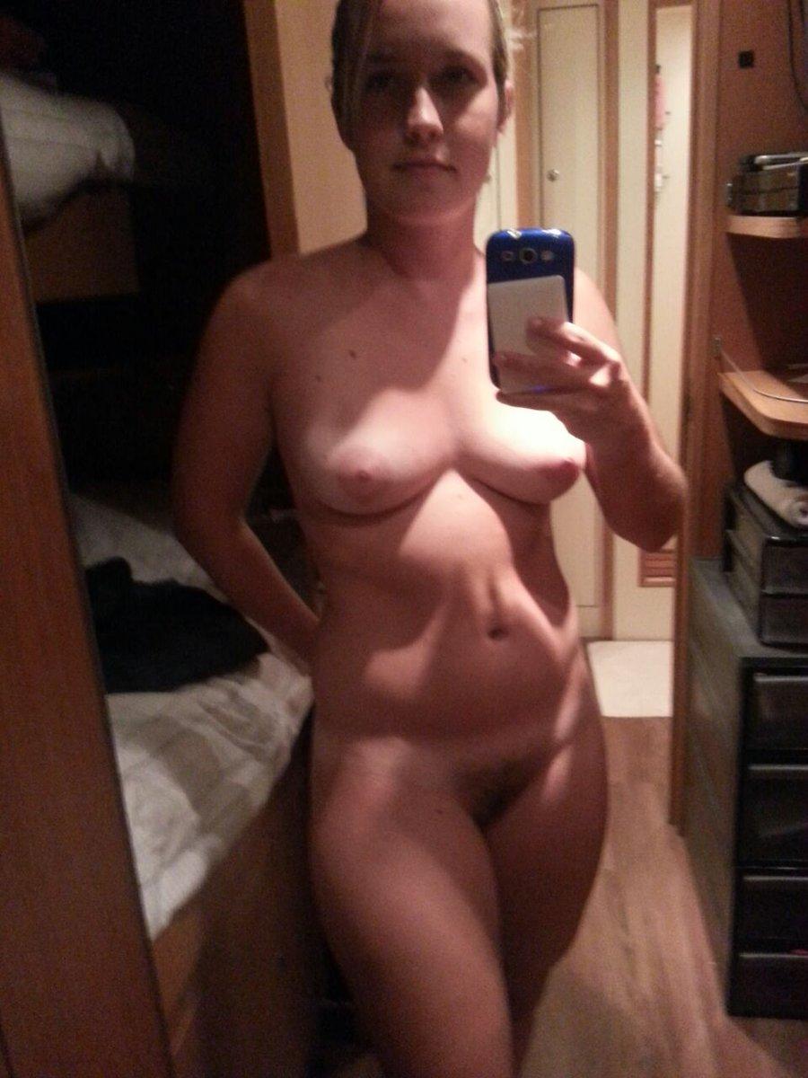 Nude Selfie 6747