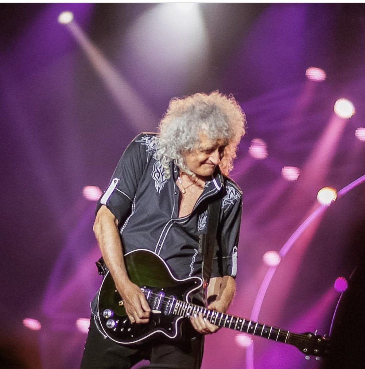 Some of the best shots of the #QALTour - @DrBrianMay at @swedenrockfest by Pierre Eriksson  http:// instagram.com/p/BGzAyRazBHR/  &nbsp;  <br>http://pic.twitter.com/PbeUDWddLA