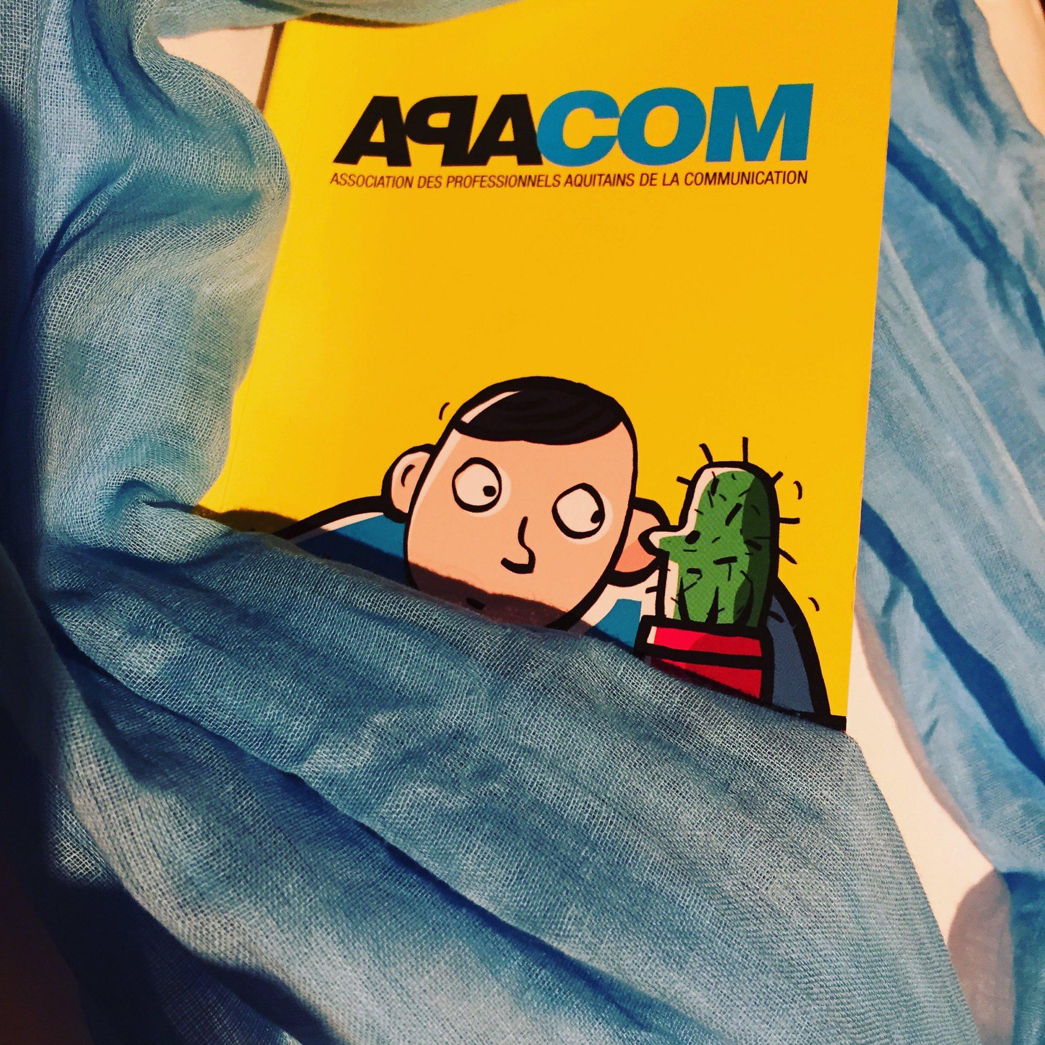 #NuitdelaCom J-1 : finetuning #couleur de la touche de #bleu #Apacom20ans cc @APACOMaquitaine https://t.co/4oEzMeVXzo