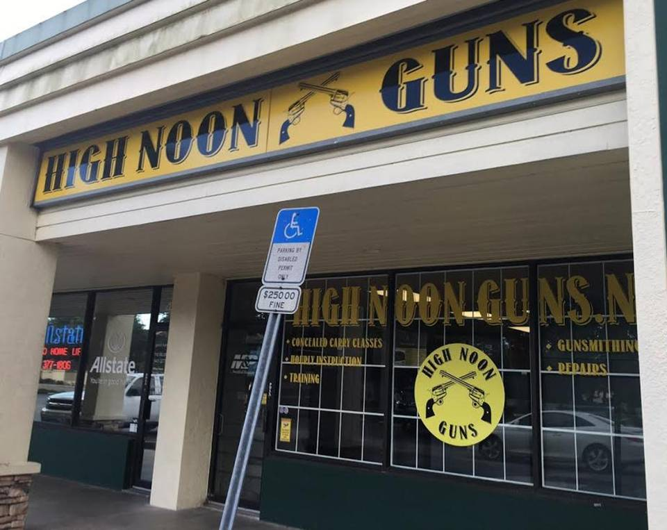Father accidentally kills 14-year-old son at gun range, police say https://t.co/dFZMKvdvz3 https://t.co/erAgzUJsOs