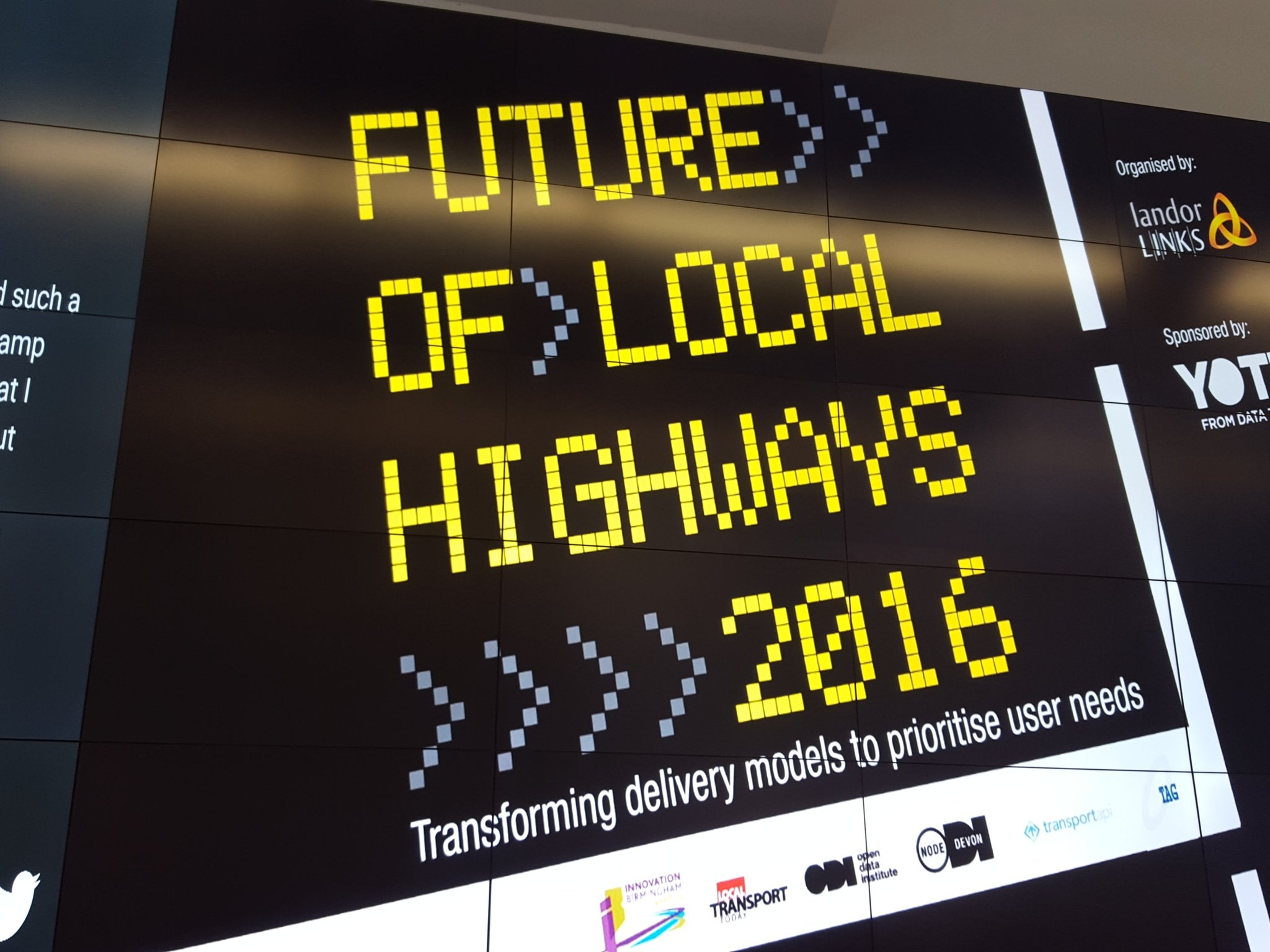 To iCentrum for #futurehighways to talk about transport data. Key meeting for understanding how data is disrupting https://t.co/BHR3JoIhQ1