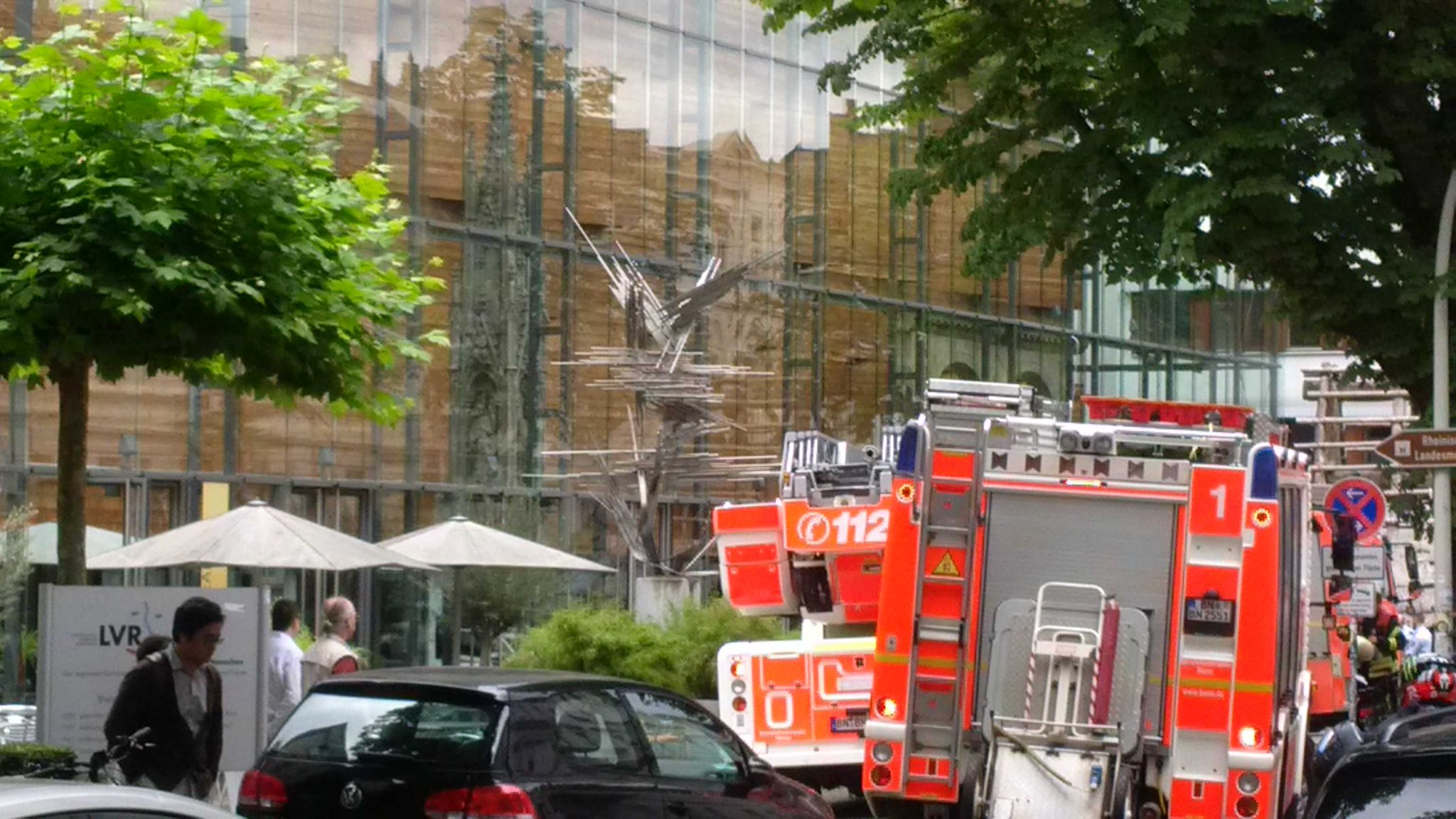 @sparks_eu Fire Alarm in the museum. It wasn't us. But it affects the preparation for tomorrow 's opening https://t.co/2yvMOiURoI