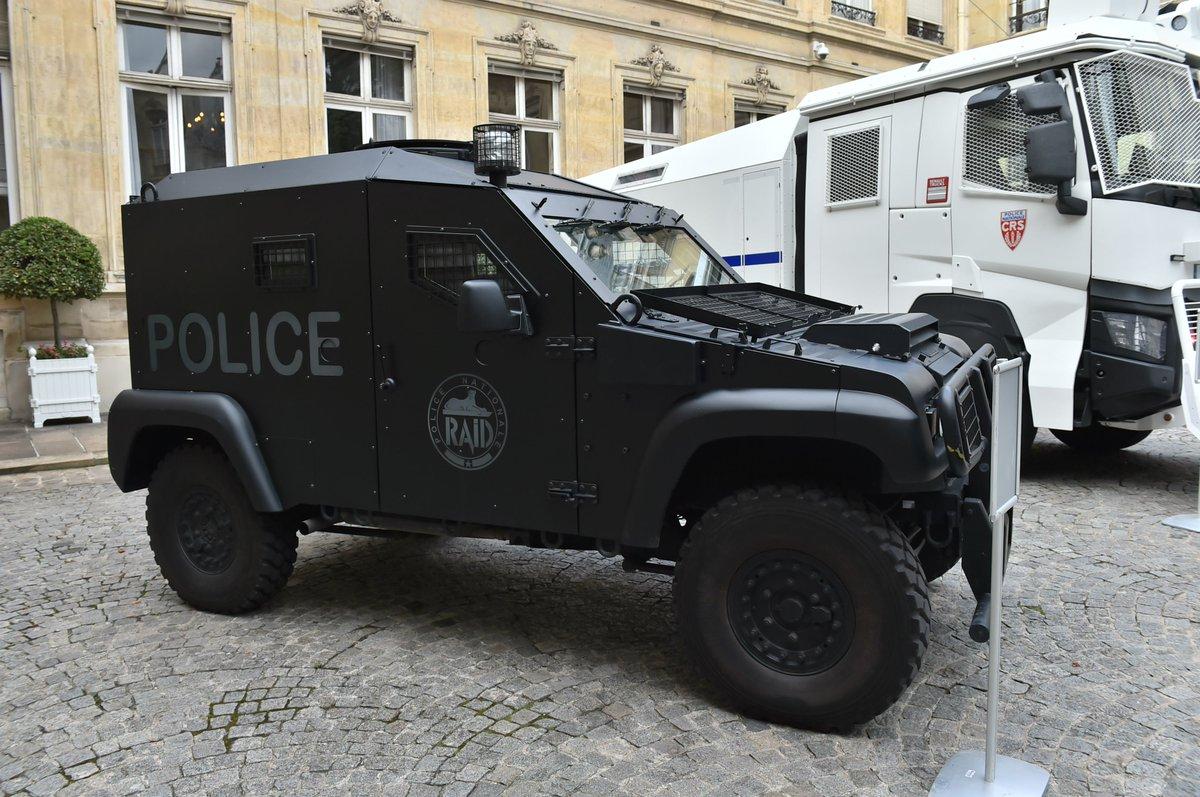 Minist re int rieur on twitter 40 quipements et for Gendarmerie interieur